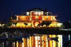 Faros Luxury Rooms