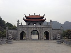 Hoa Lu temples of the Dinh & Le Dynasties