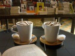 El Amanuense Libros & Café