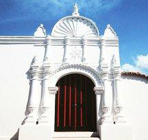 Casa De Las Ventanas De Hierro