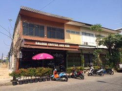 Saloon Cafe and Bar