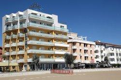 Karinzia Hotel