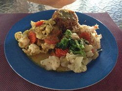 Curry Lobster with Coleslaw & Vegetables
