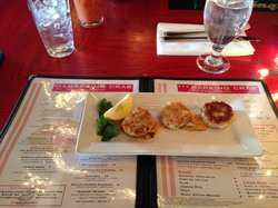 The very small starter barking crab cakes $13+tax