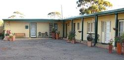 Lake Grace Saltbush Inn