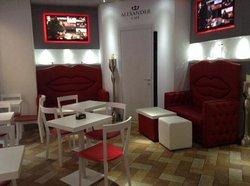 Alexander Cafe'