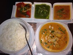 Everest Inn - Fine Nepali Kitchen