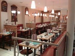 Le Central Brasserie Pizzeria Creperie