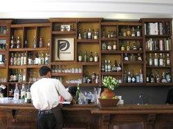 Restaurante Pitiona. Mezcales y whiskies seleccionados