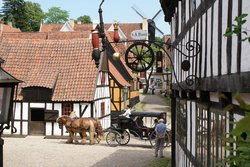 Museum Nasional Terbuka tentang Sejarah dan Budaya Kota, oleh Den Gamle