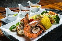 RA Restaurant & Lounge