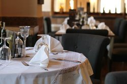 Di Wine Restaurant & Wine Cellar