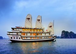 Signature Cruise Halong Bay - Day Tours