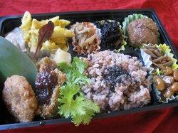 金沢の自然食料理人の作る大切な人のための特別なお弁当 詳細とご予約は、このページ内のサイトのリンクをお開きください。