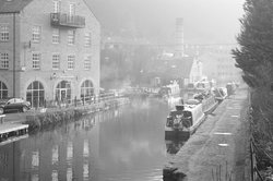 rochdale canal from bridge leading to cafe