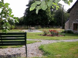 A place to have breakfast, in the garden at La Cloue B&B