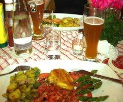 Вот такой баварский стол в Ratskeller restaurant