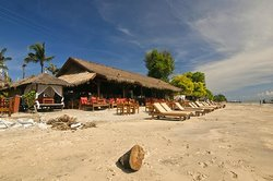 Chill Out Bar & Bungalows