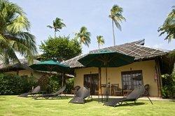 Amontillado Beach and Dive Resort