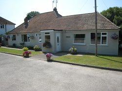 Oak Tree Lodge Gatwick Bed & Breakfast