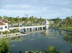 Le Palais d'eau de Soekasada Ujung
