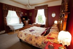 Holmefield Guesthouse & Holiday Cottages