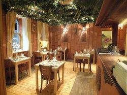 Krua Khun Mae Thai Restaurant