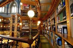 The Library of Parliament / La Bibliothèque du Parlement