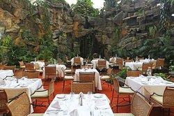 Restaurante la Poza - Hotel Clarion Suites