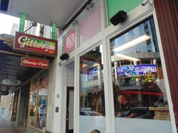 Gitto's Pizza Pasta & Pub