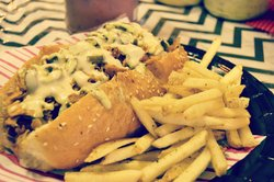 MAD DOGZ - Retro Hotdog & Corndog Bar