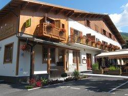 Les Peupliers Hotel Restaurant