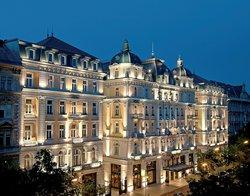 科林西亞布達佩斯酒店