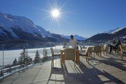 Carlton Hotel Terrasse mit Blick auf den St. Moritzer See (92065580)