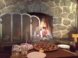 Paola's Pizza Barn