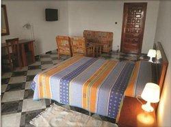 Hotel Mouna