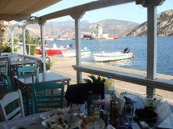 Taverna Ta Delfinia
