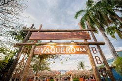 El Vaquero Beach Bar