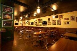 Kiva Ivy lounge