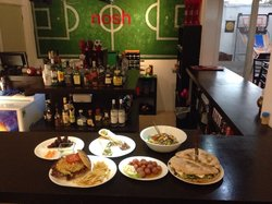 Nosh Restaurante + Bar