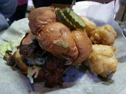 Milwaukee Burger Co., Grill & Bar