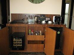 Kaffeebar Minibar Weinkühlschrank etc.