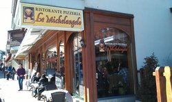 Le Plaza Restaurant