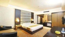 Orchardz Hotel Jayakarta