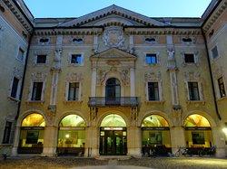 Palazzo Valenti Gonzaga