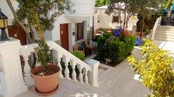 Cavus Hotel & Apart