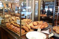 Du Pain et des Idees, fresh pastries and bread
