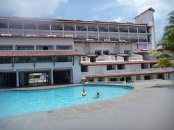 Basen + hotel