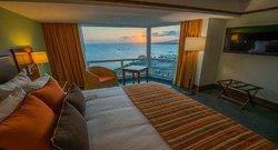 Guest Room (94725511)