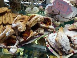 Mehri's Bakery & Deli